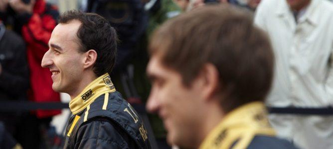 Kubica en la presentación de Lotus-Renault para la temporada 2011