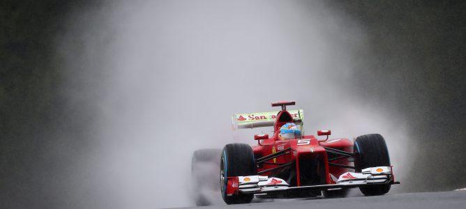 Kobayashi lidera, Alonso no marca un crono fiable y se puede decir que la lluvia ha marcado el mejor tiempo