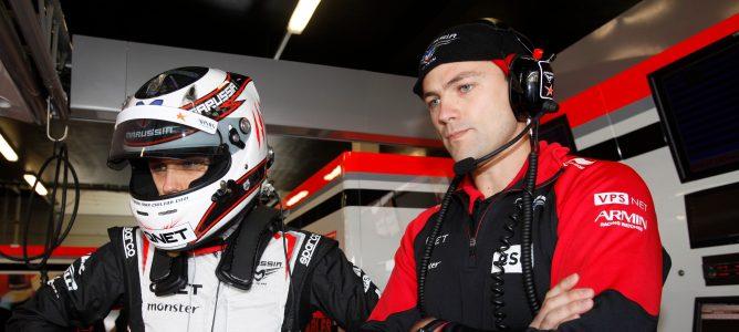 Max Chilton en el box de Marussia