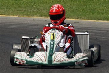 Schumacher se entrena con los karts para llegar en plena forma a Valencia.