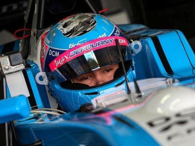 Derrière le volant de la Formule Renault