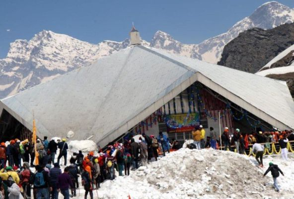The doors of Hemkund Sahib will be closed today afternoon, Shabad Kirtan started from 9 am