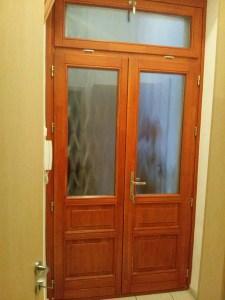 kétszárnyú csincsilla üveges ajtó