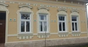 Műemlék nyílászárók cseréje műemlék házban
