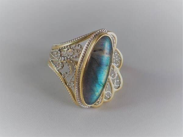18k Yellow Gold and Sterling Silver Labradorite Filigree Ring