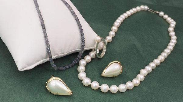 June Birthstones - Pearl and Alexandrite