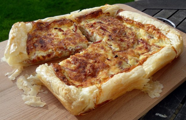 Flan, puff pastry, egg and ham,