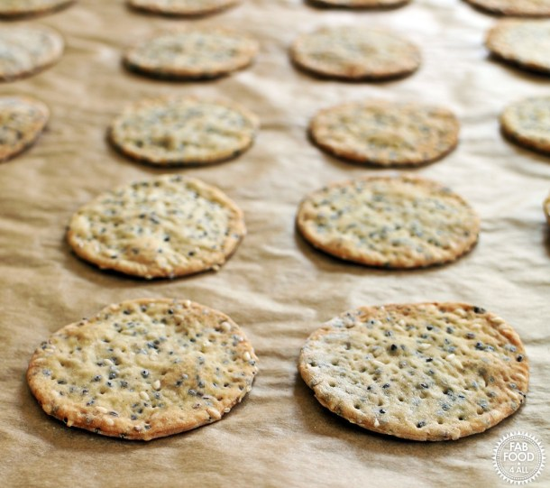 Chia & Sesame Seed Crackers - so easy & delicious! @FabFood4All