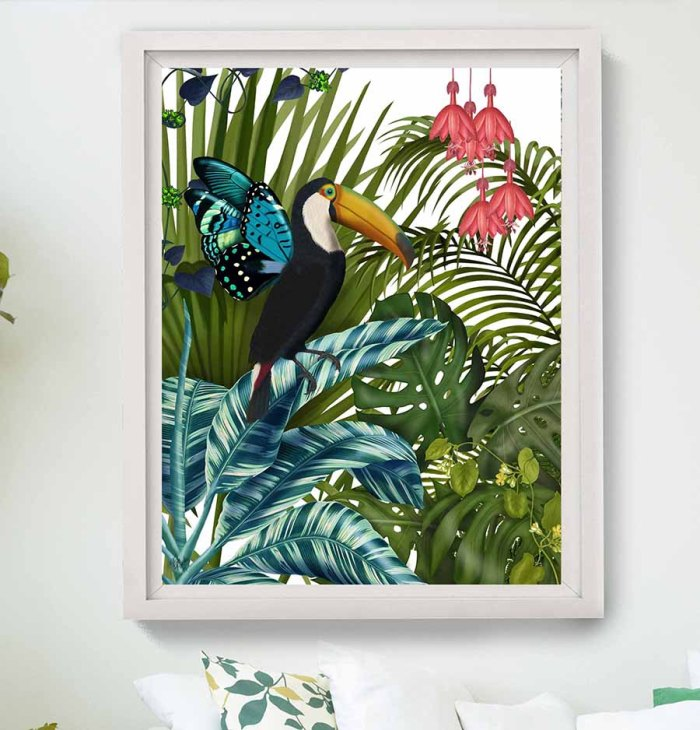 Toucan in Tropical Forest