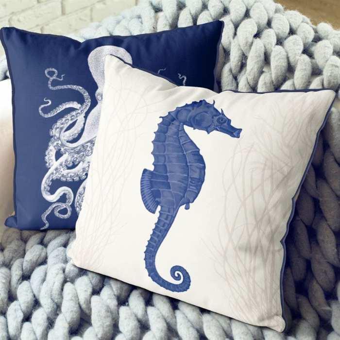 Seahorse and Seaweed