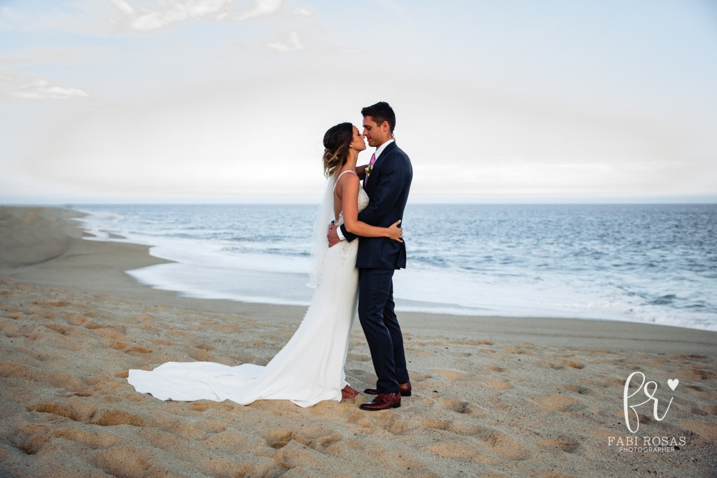 Bride and groom session wedding in Cabo