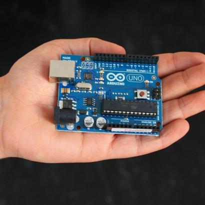 Initiation à la programmation de microcontrôleurs Arduino Uno
