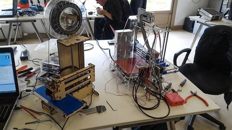 Le fablab moebius a barbizon, encore des imprimantes 3D !
