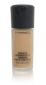 MAC Mineralize Satinfinish SPF 15 Foundation