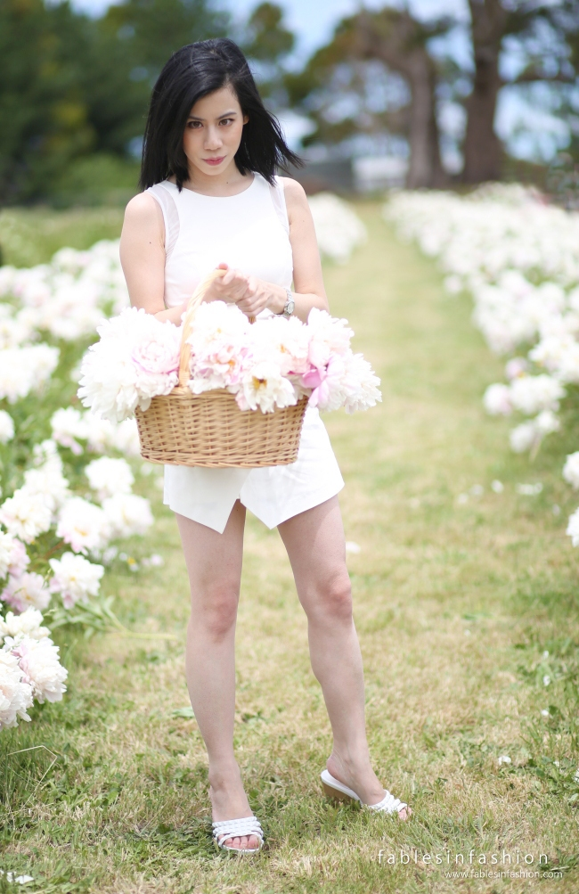 Spring Hill Peony Farm Outfit