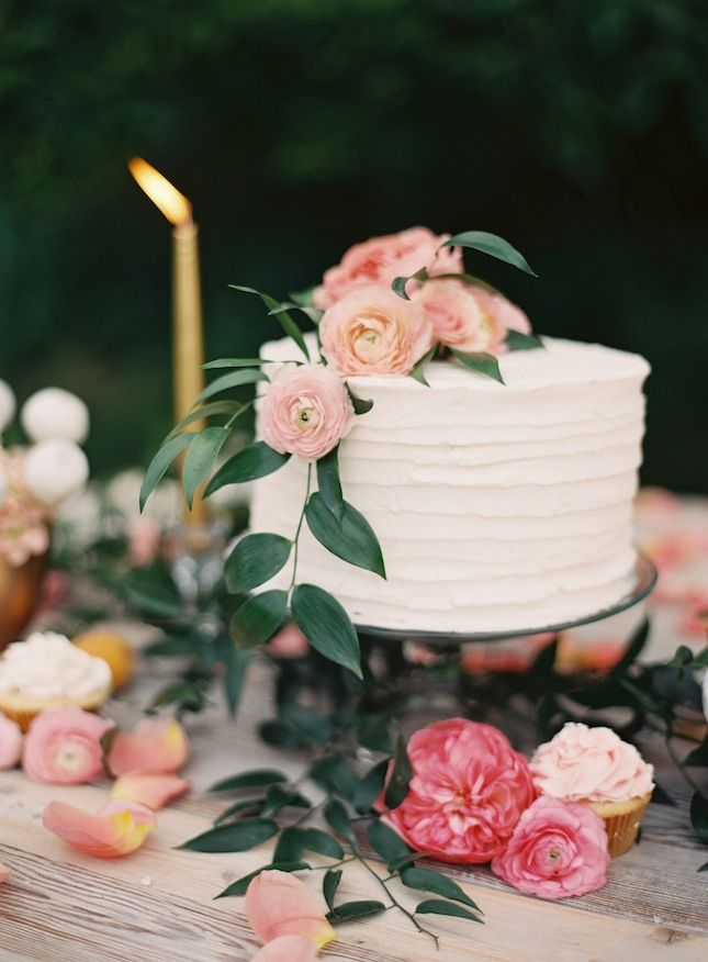 Fresh Cream Makeup Cake