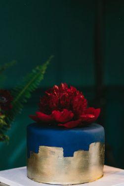 Navy And Gold Wedding Cake With Burgundy Peony Perfect For Autumn Weddingcake Autumnwedding