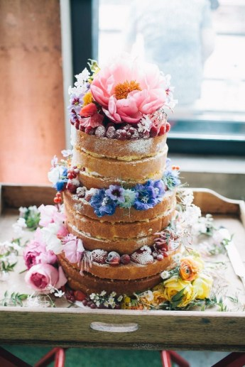 Wedding cake with peony and flowers | Naked wedding cake #weddingcake #weddingcakepeony #peony #nakedweddingcake