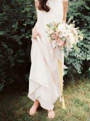 bridal bouquet | Cozy and Intimate Rustic Wedding | Photography : yuriyatel.com | read more: fabmood.com