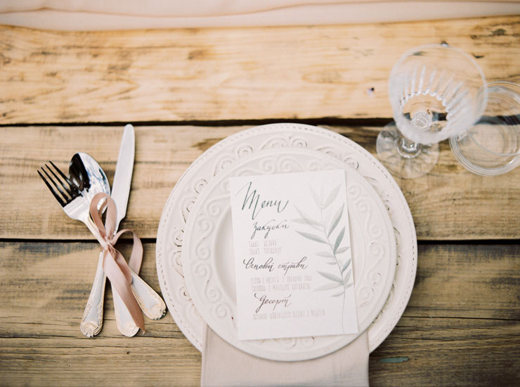 wedding menu   Cozy and Intimate Rustic Wedding   Photography : yuriyatel.com   read more: fabmood.com