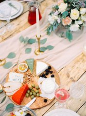 wedding food ideas | Cozy and Intimate Rustic Wedding | Photography : yuriyatel.com | read more: fabmood.com