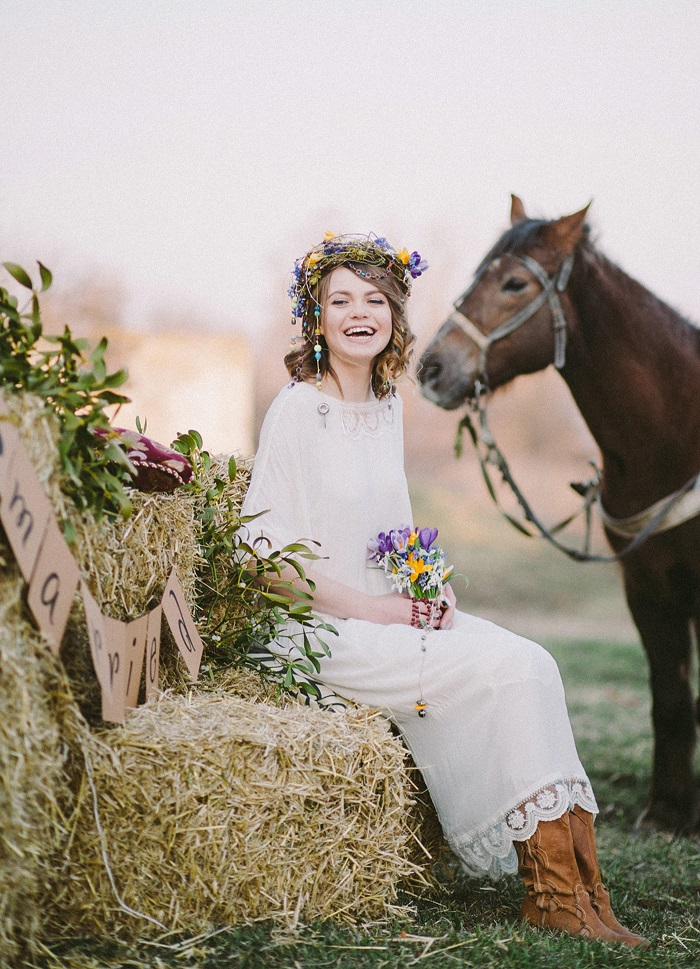 Wild flowers on the bride hair and bouquet for Eco-friendly Natural,Boho Hippie Chic Wedding | fab mood