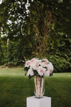 Blush Flowers and Branches arrangement for Garden wedding ceremony decoration | fabmood.com #gradenwedding #weddingdecoration