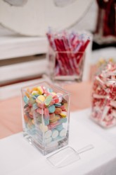 Wedding sweet bar | Fab Mood #weddingreception #candytable #weddingsweettable