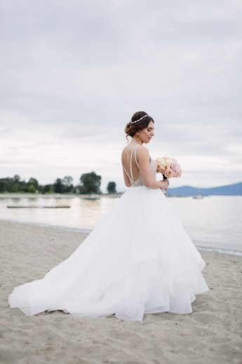 Bride in Platinum Hayley Paige wedding gown | fab mood