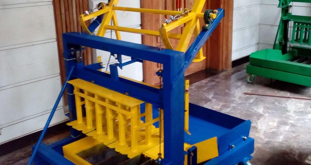 projeto maquina de blocos de concreto tipo poedeira