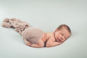 Bébé et ses petits plis