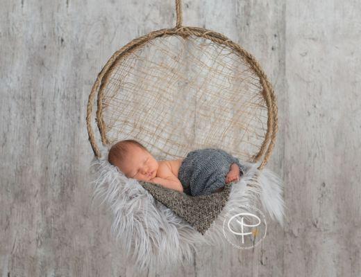 Bébé dans attrape-rêves
