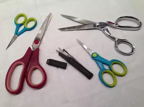 choose and care for cutting tools for sewing