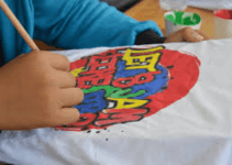 how to paint t shirts with fabric paint