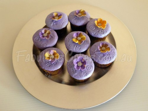 purple-cup-cakes