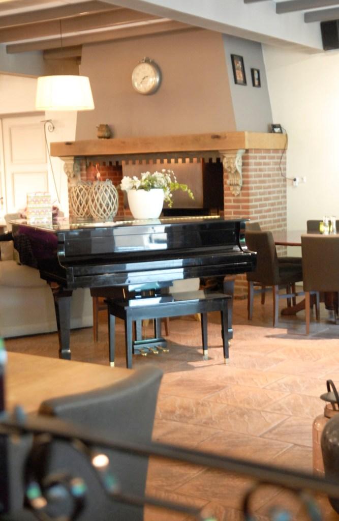 Review: Restaurant De Haard Bosschenhoofd Hoeven lunch interieur