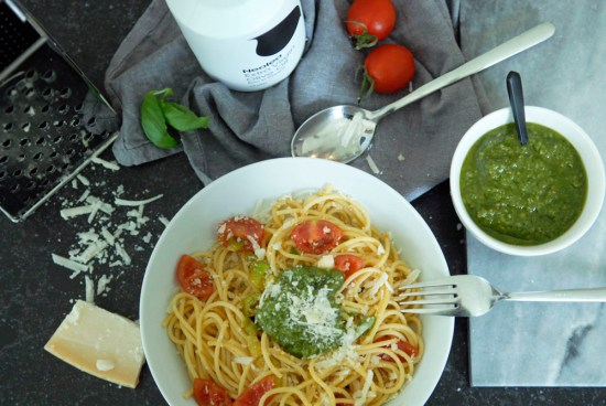 Recept: Pasta verse zelfgemaakte pesto basilicum zonnebloempit oregano neolea olijfolie