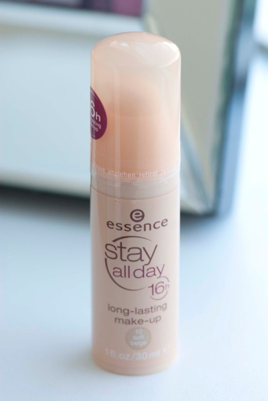 Getest: essence Stay all day foundation