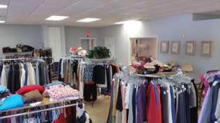 Fab-Finds-Island-Breeze-Upscale-Resale-Store-1