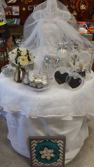 fab-finds-haven-hospice-attic-wedding