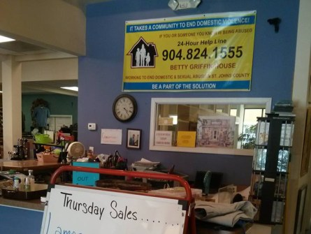 fab-finds-betty-griffin-house-thrift-shoppe-julington-square-photo-credit-bryan-estrella-front-counter