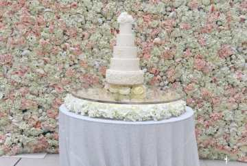 Floating flower cake table