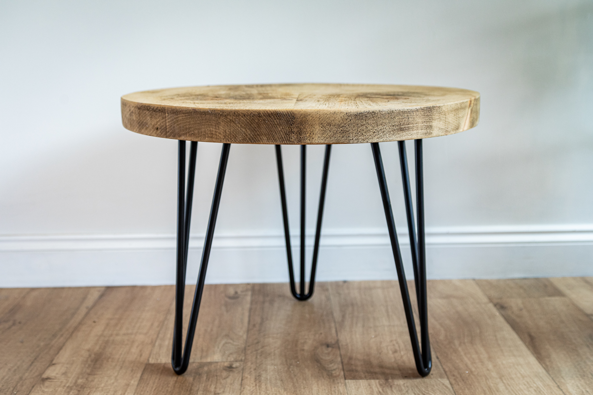 the round hairpin leg coffee table