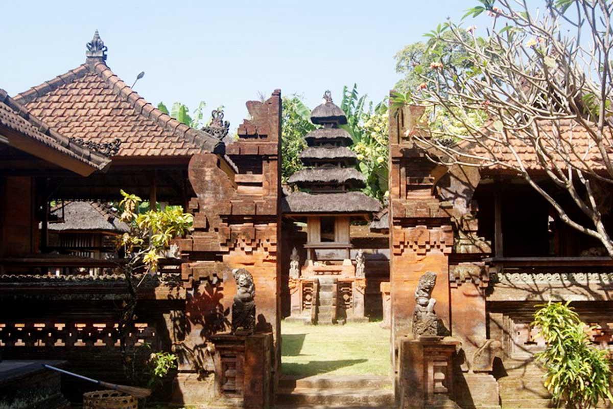 Afbeeldingsresultaat voor Puri Agung Jro Kuta