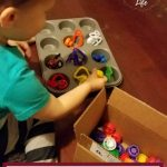 Easy Toddler Activity: Pouch Cap Color Match