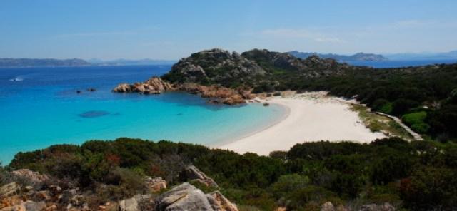 Spiaggia_rosa,_isola_di_budelli,_sardegna