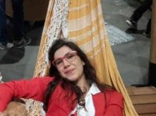 Elsa: vive e dirige una galleria d'arte a Rio De Janeiro