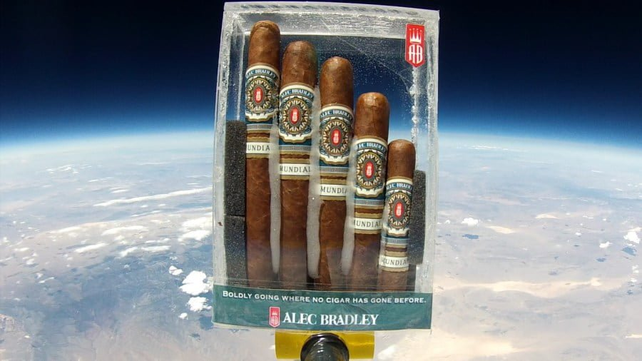 alec-bradley-mundial-space-flight