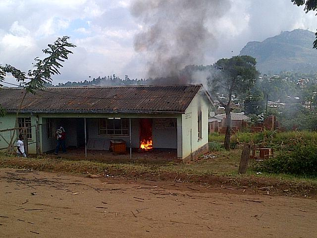 Chiwembe polling station in Blantyre on fire.