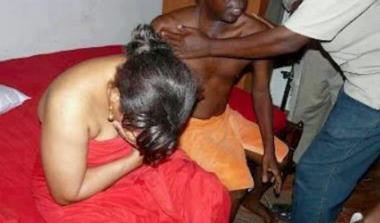 Church Member Caught Pants Down With His Pastor`s Wife...Forced to Leave The Church